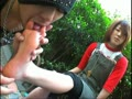 渋谷で素人ムスメをナンパして足の指を広げて観察している変態